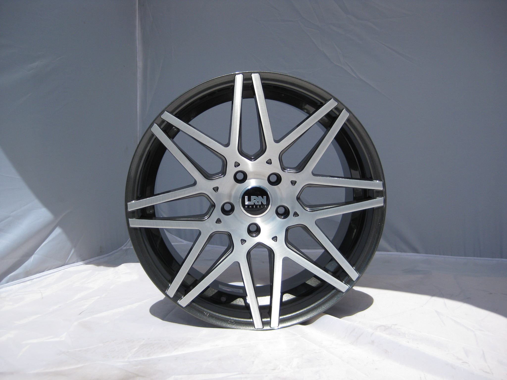 "NEW 19"" LRN BLADE ALLOY WHEELS IN METALLIC GUNMETAL WITH BRUSHED FACE, 8.5"" ALL ROUND"